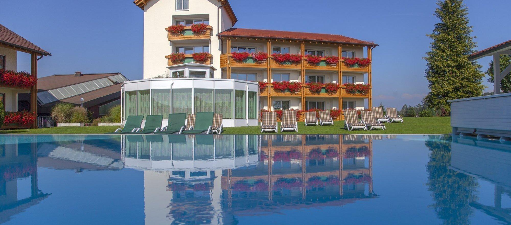 Ringhotel Krone Schnetzenhausen In Friedrichshafen Baden